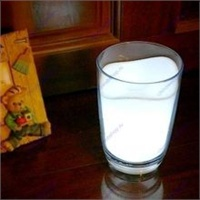 Лампа-ночник - стакан молока