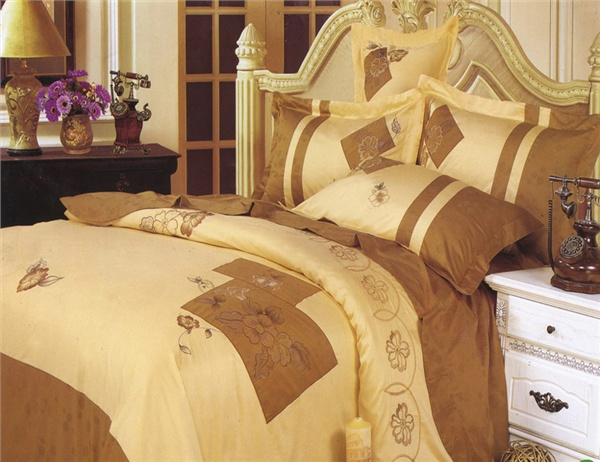 Семейный комплект постельного белья la scala (ла скала) lux-08 изготовлен из шелкового жаккарда