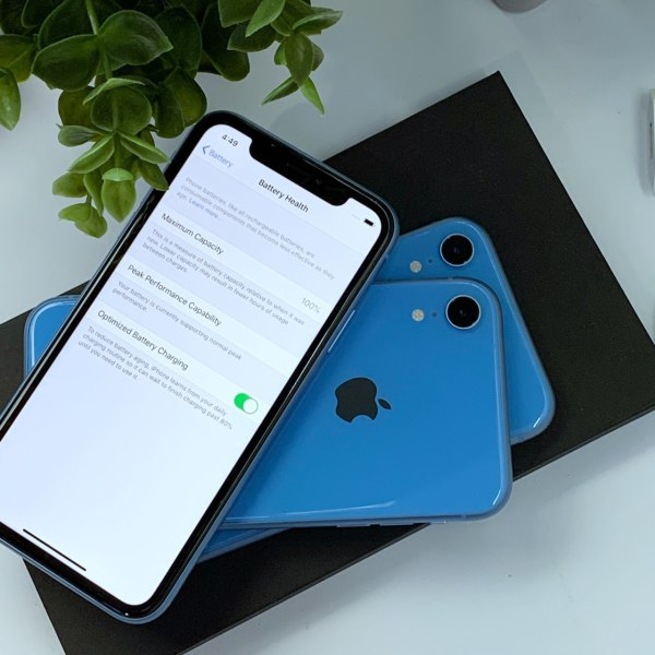 Apple iPhone XR 64Gb US (Unlock/R-SIM)